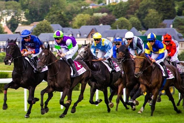Corridas de cavalos 168911